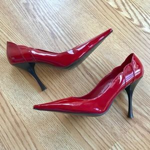 BCBG Red Patent Leather Pumps w/ Pointy Toe 7.5